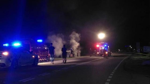 Pemandu disangka mabuk, penduduk bakar kereta terbabit kemalangan ...